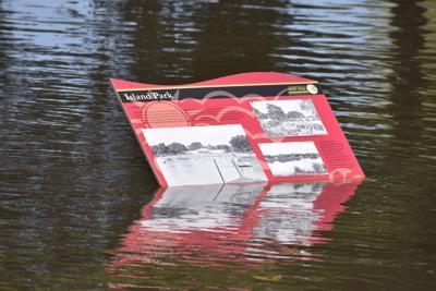 090618tn-cedar-falls-flood-pic4
