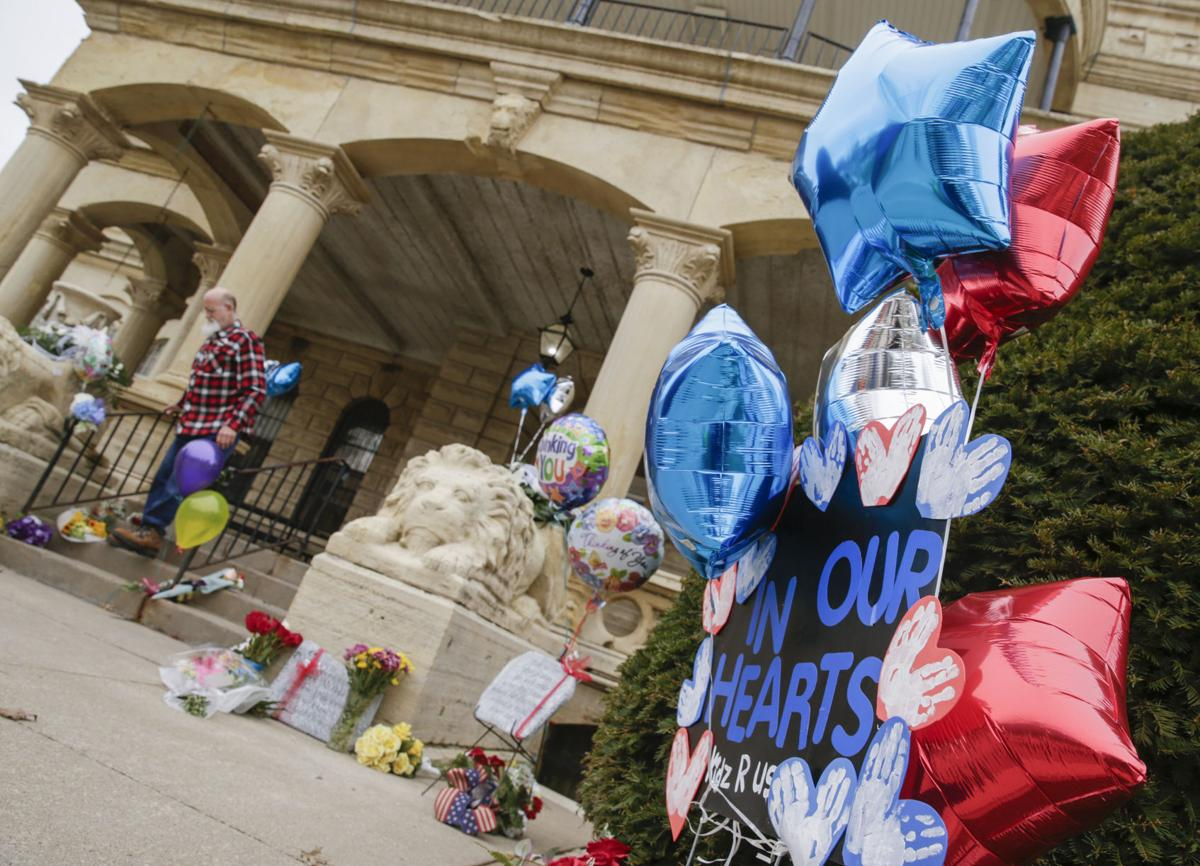 MEMORIALS PLACED OUTSIDE ANAMOSA PRISON
