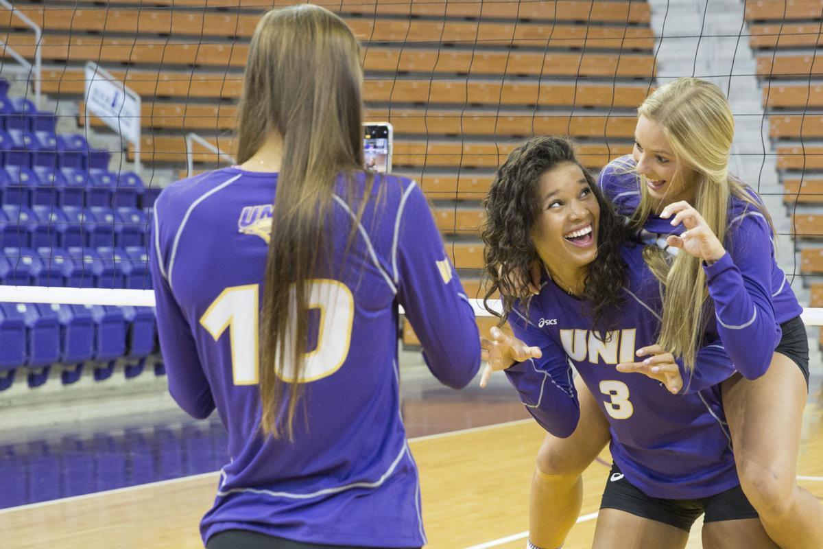 082219kw-uni-volleyball-media-day-06