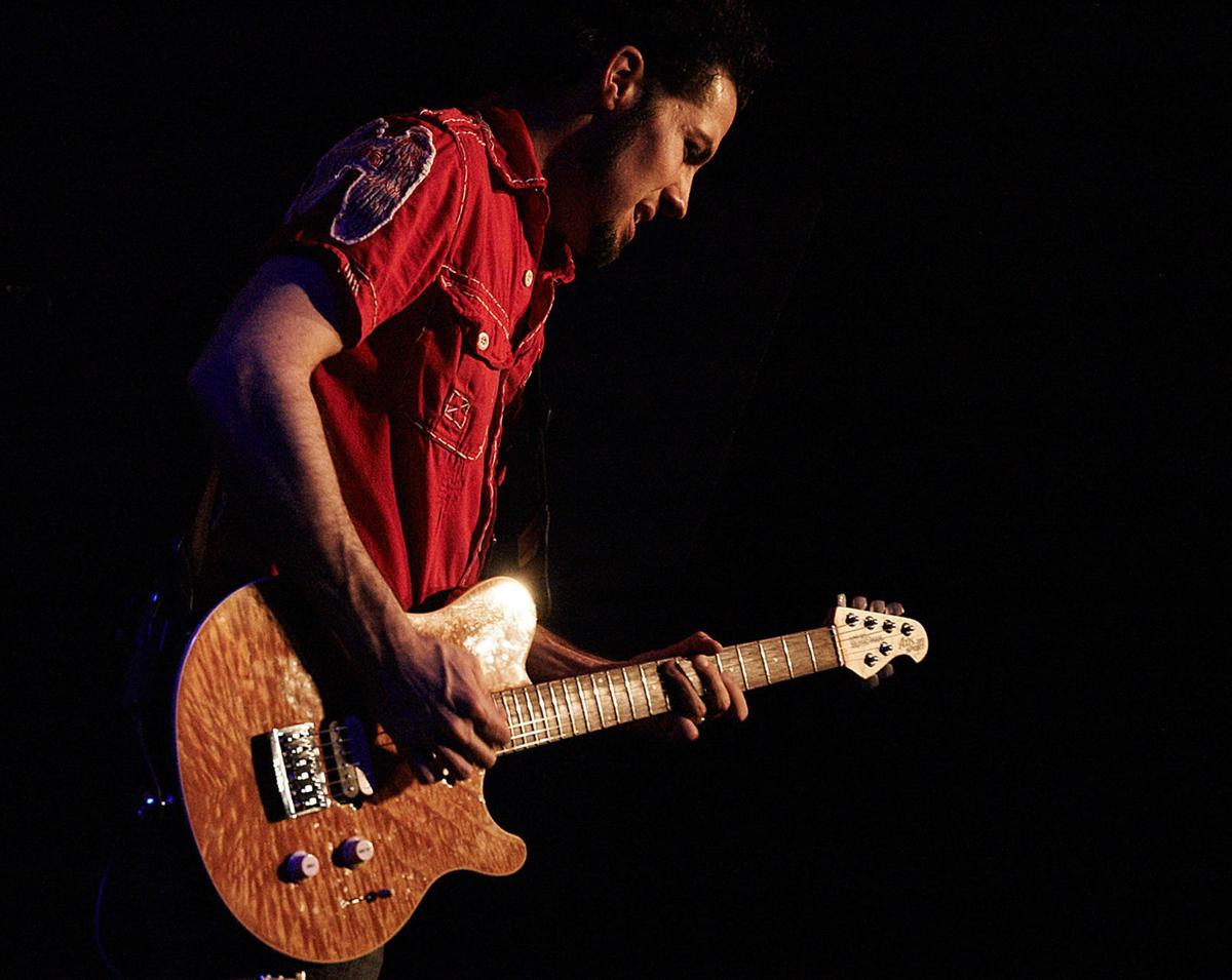 hamilton-loomis-guitar-hortizontal