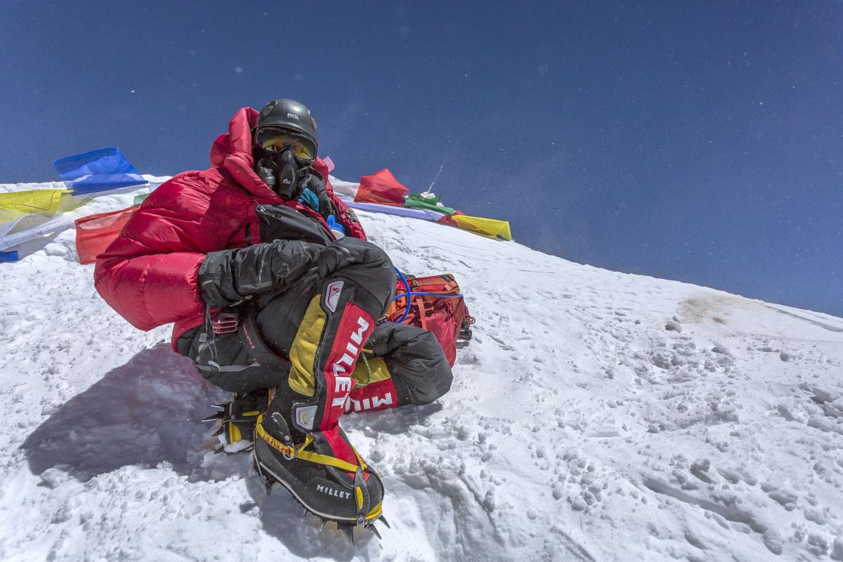010917ho-Jen-Loeb-Everest-summit