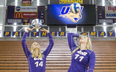 082219kw-uni-volleyball-media-day-05