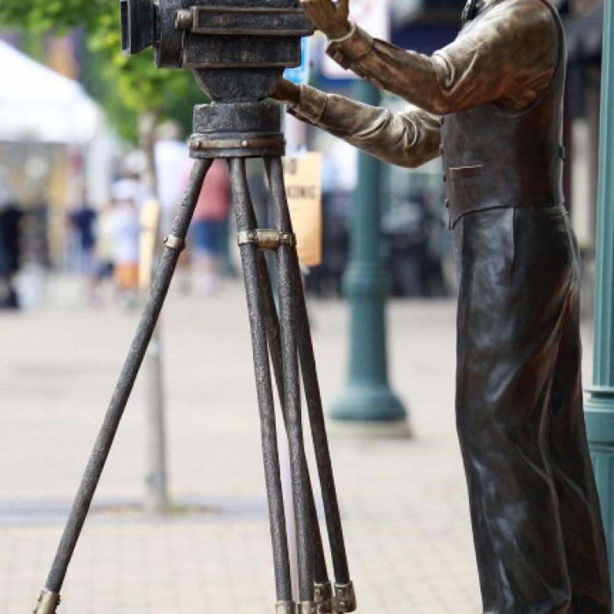 Ready For Its Close Up Movie Themed Sculpture Gets Official Unveiling Next Sunday In Cedar Falls Lifestyles Wcfcourier Com