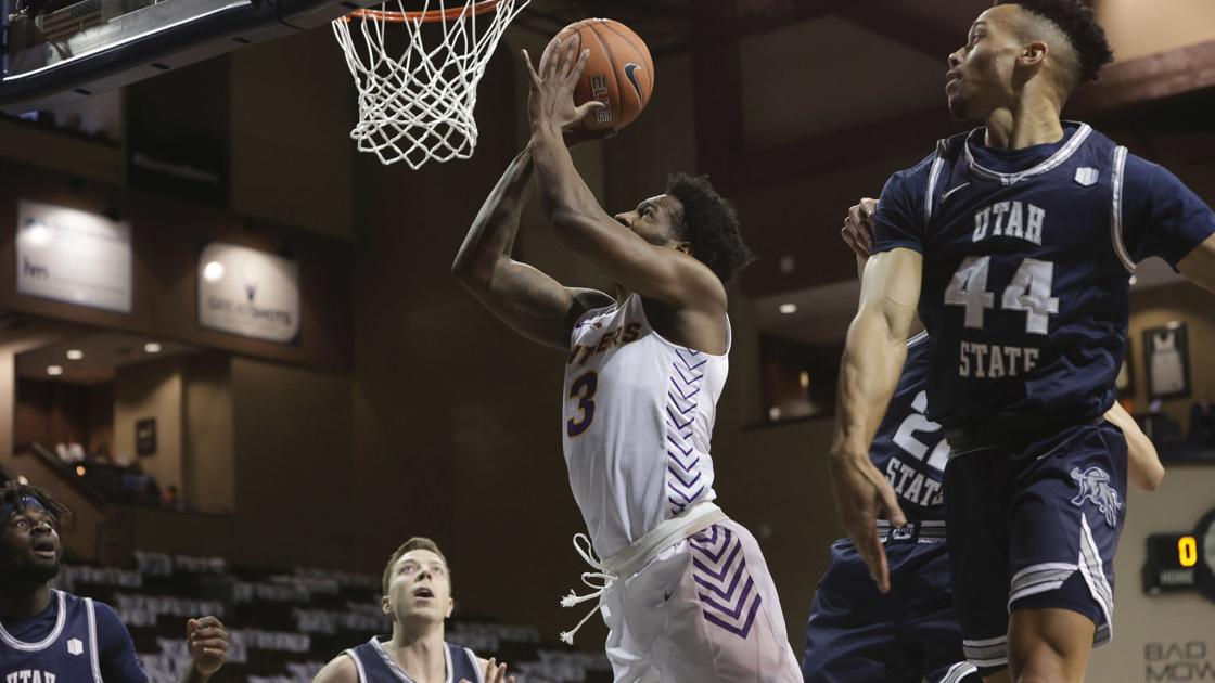 College men's basketball: UNI leaves Sioux Falls winless after Utah State rally