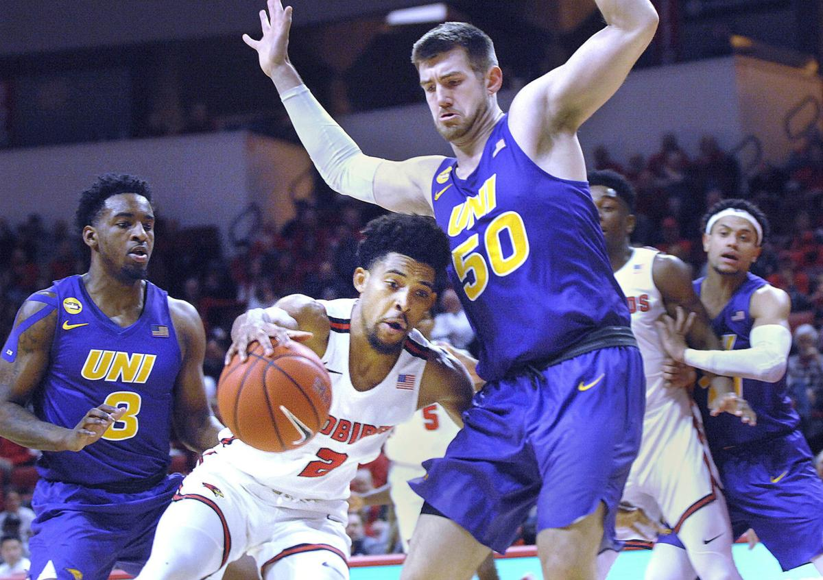 College Men S Basketball Illinois State Stuns Uni In Mvc