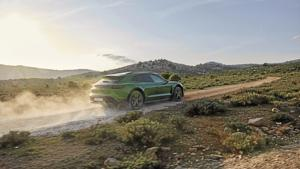 2022 Porsche Taycan Cross Turismo.