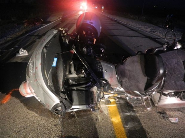 2 hurt, 2 horses killed in Highway 3 accident   Local News