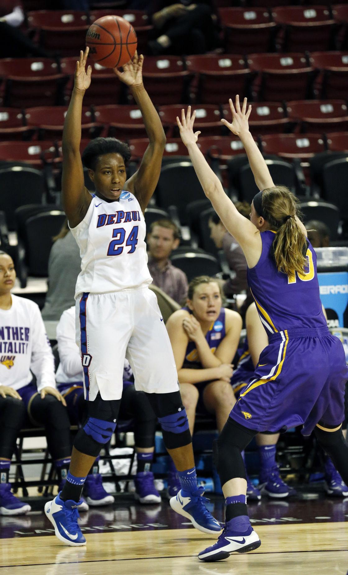 031717mp-NCAA-uni-DePaul-Basketball-3
