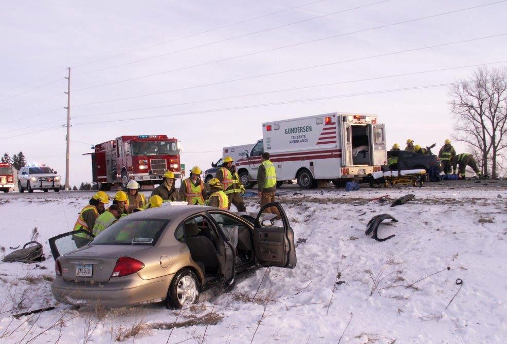 West Union Iowa >> 3 Hurt In Crash Near West Union Local News Wcfcourier Com