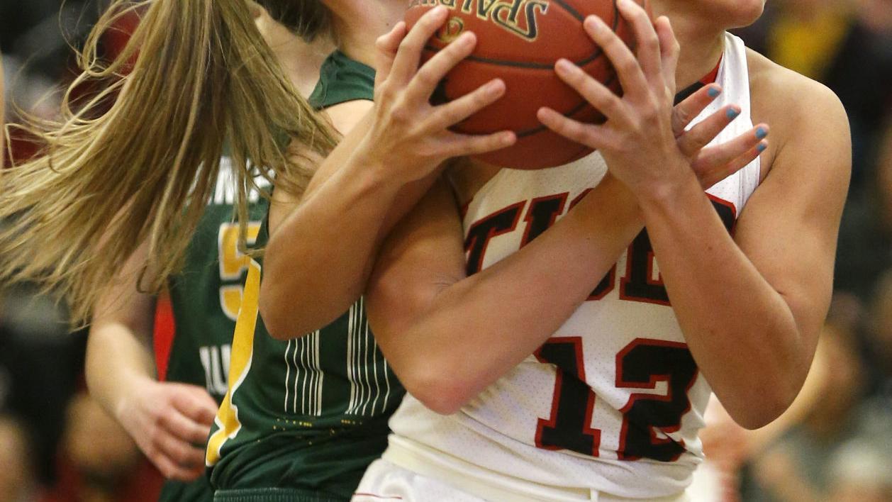 Girls' regional basketball: Cedar Falls makes it four in a row