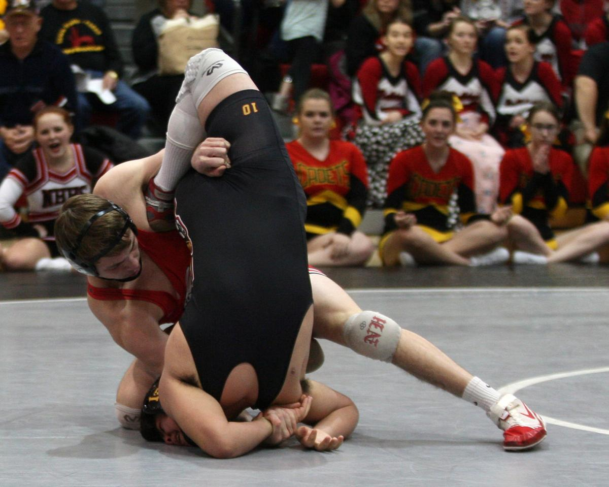 021018JN-district-wrestling-1