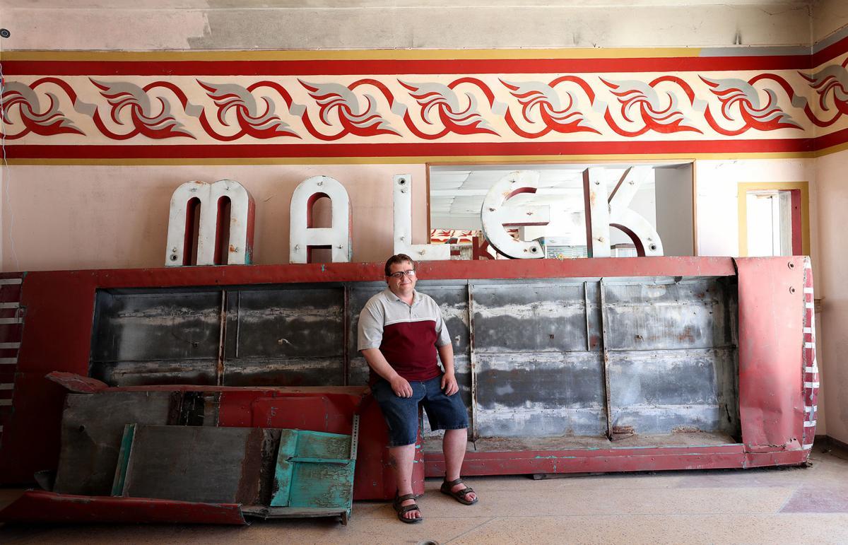 090619bp-malek-theater-2