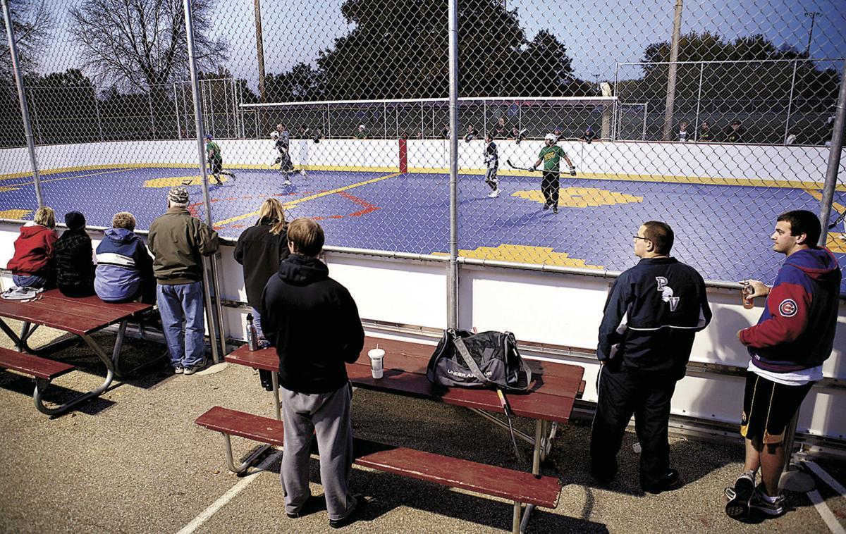 Downtown 'dekhockey' program wins approval | Local News