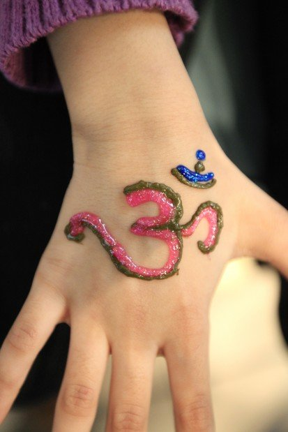 What Stores Sell Henna Tattoo Ink: Traditional Henna Tattoos Beautiful, Temporary