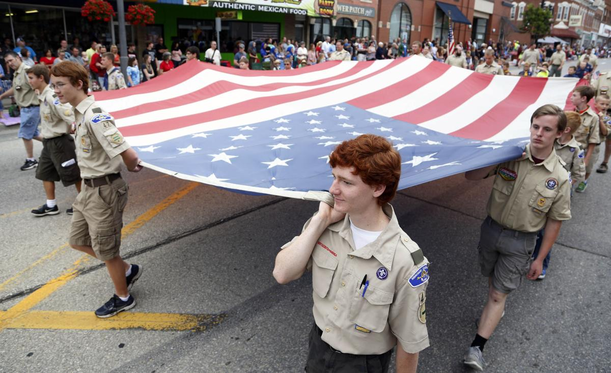 Crowds swell for Independence parade | Local News | wcfcourier com