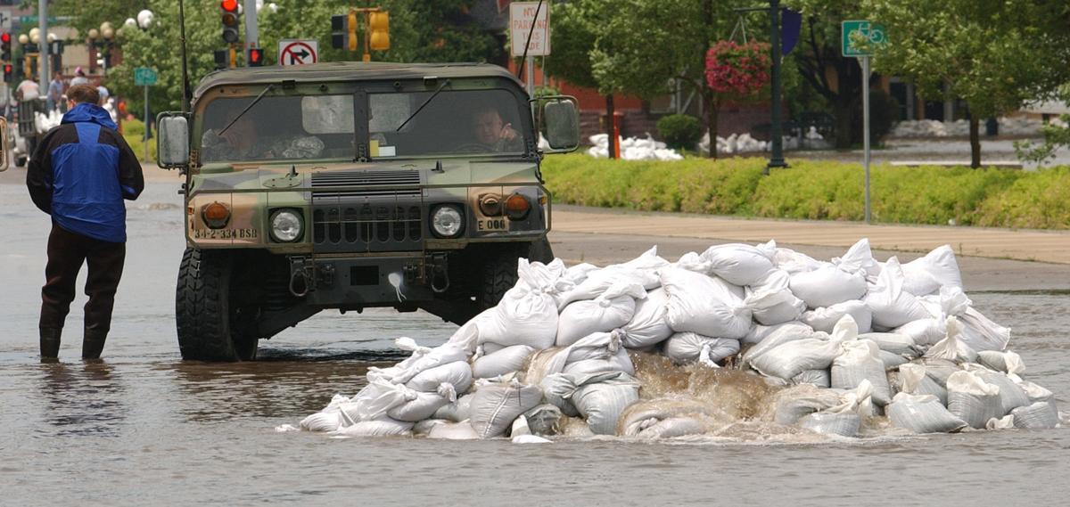 061108dm-flood-47