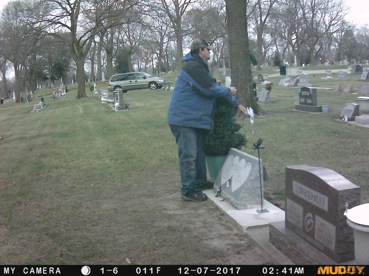 120716ho-cc-cemetery-thief