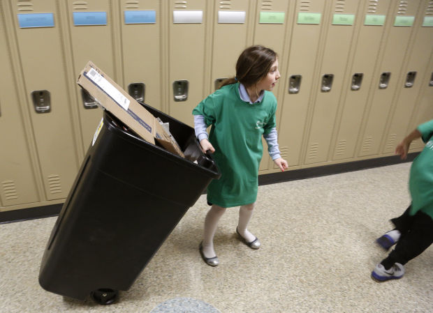 011414mp-Becker-student-recycling-2
