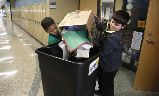 011414mp-Becker-student-recycling-1