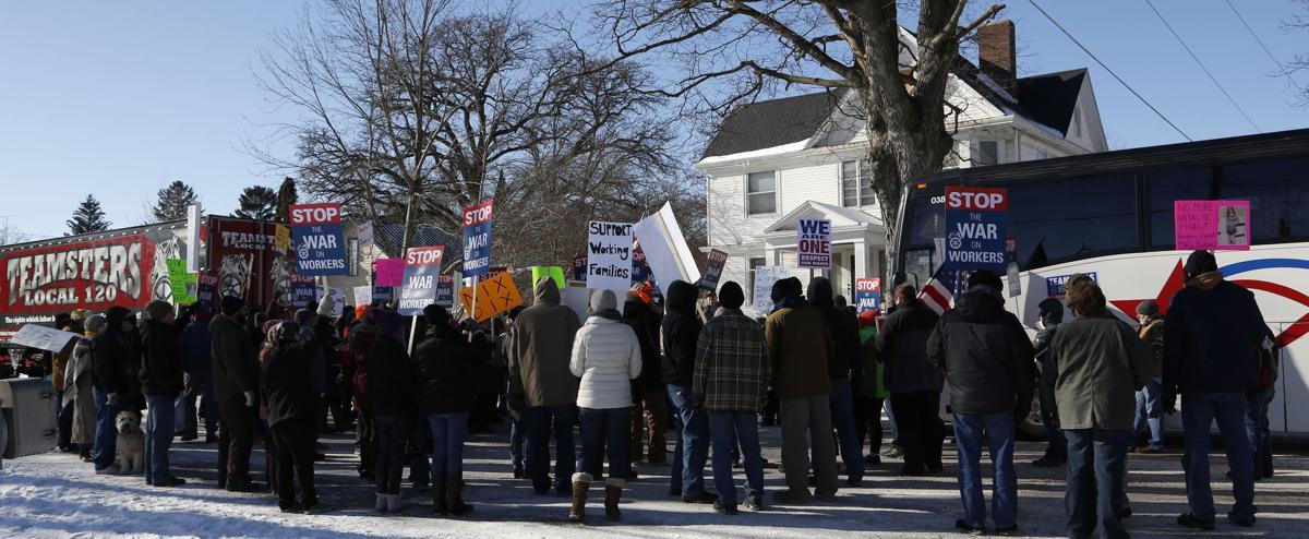 011318mp-Bill-Dix-protest-6