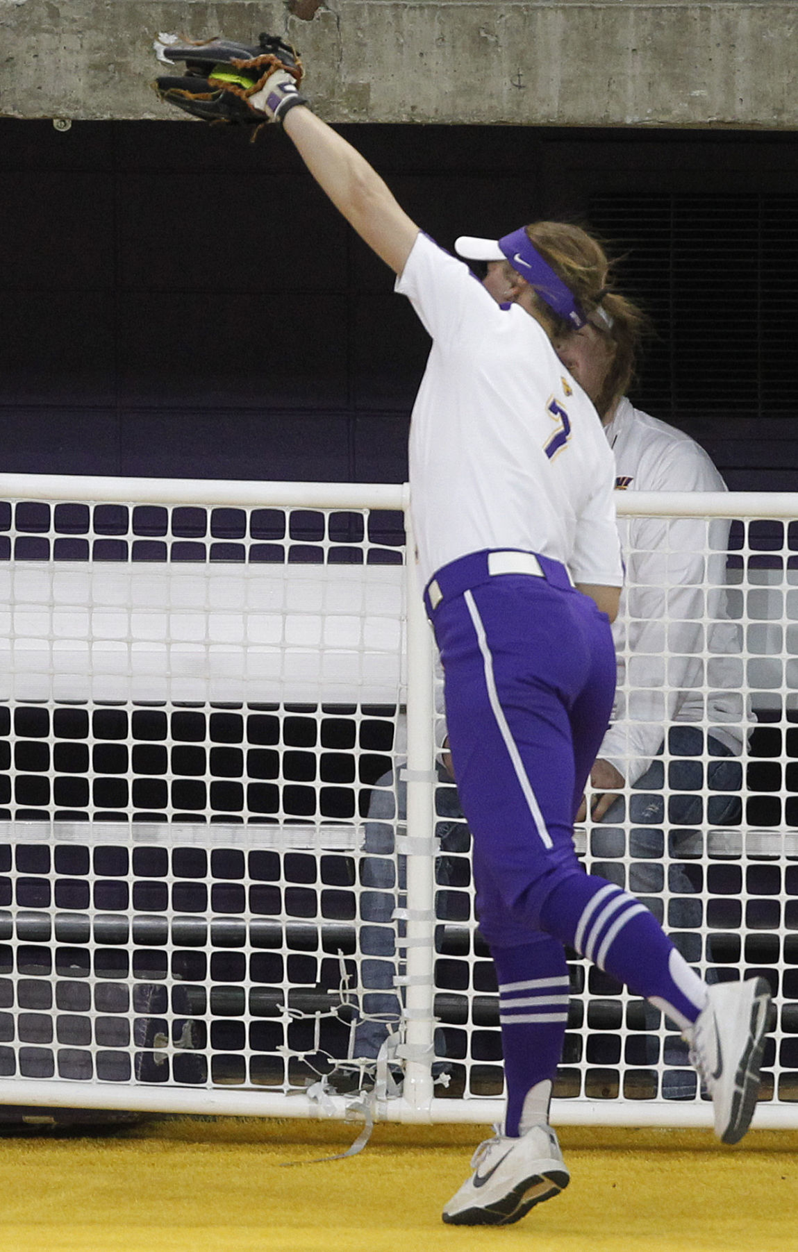 041418mp-UNI-softball-2nd-game-3