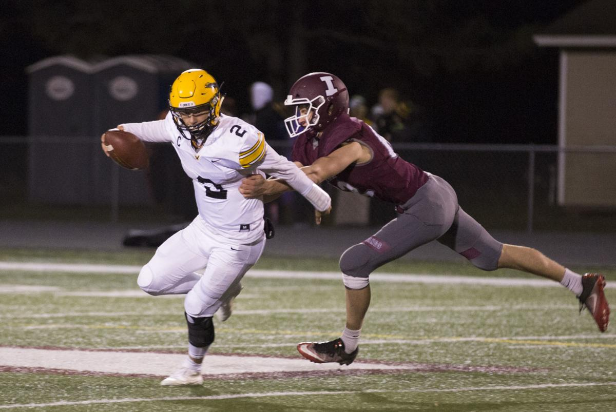 101218kw-independence-waverly-football-01