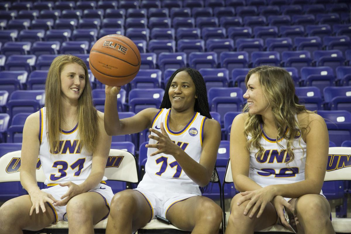 102119kw-uni-womens-bball-media-day-01