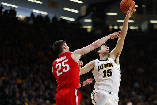 Iowa hands No. 16 Ohio State its 3rd straight loss, 72-62