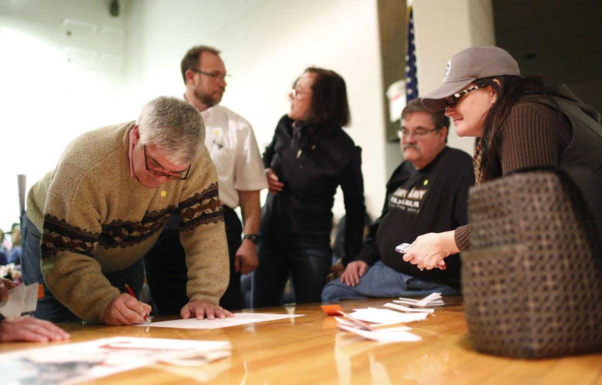 Republicans draw a crowd at Peet Junior High | Caucuses