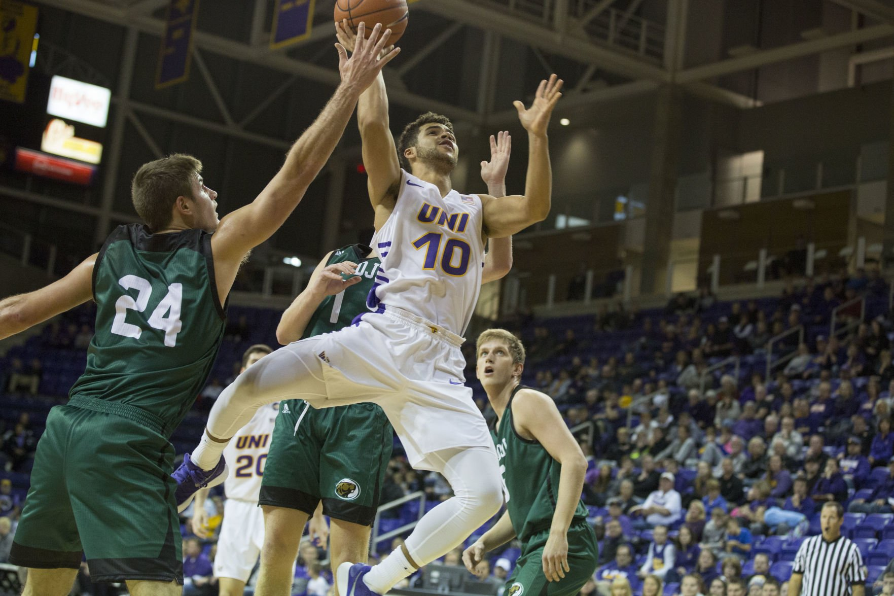 college basketball uni handles bemidji state in opener men s rh wcfcourier com