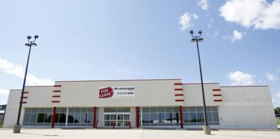 Consignment Store Signs On Stuff Etc To Open In Waterloo Local