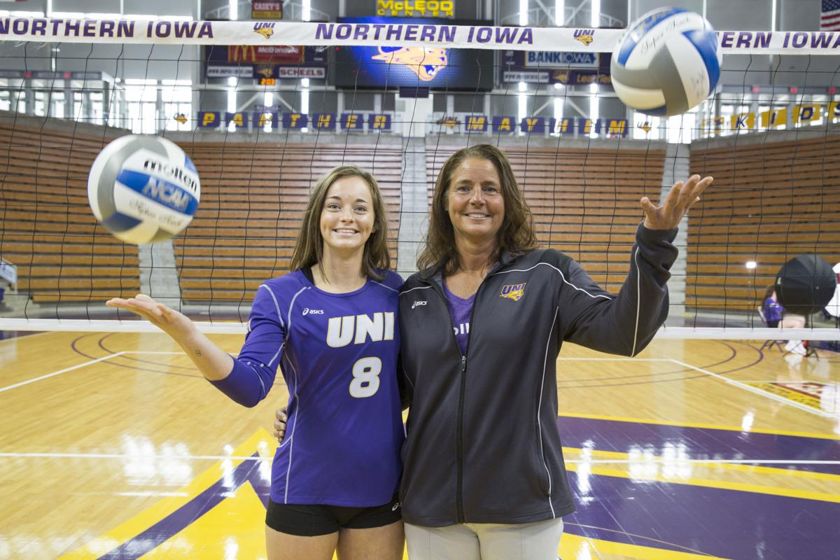 082219kw-uni-volleyball-media-day-03
