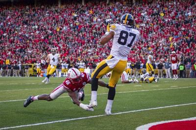 Iowa football notebook: Hawkeyes rebound from Purdue loss (with photos)