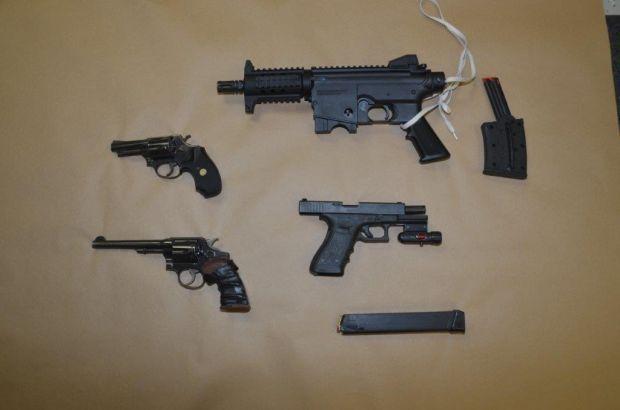 040815jr-guns