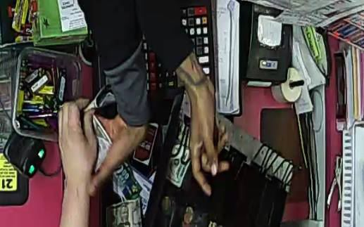030218ho-neighborhood-mart-robbery-2
