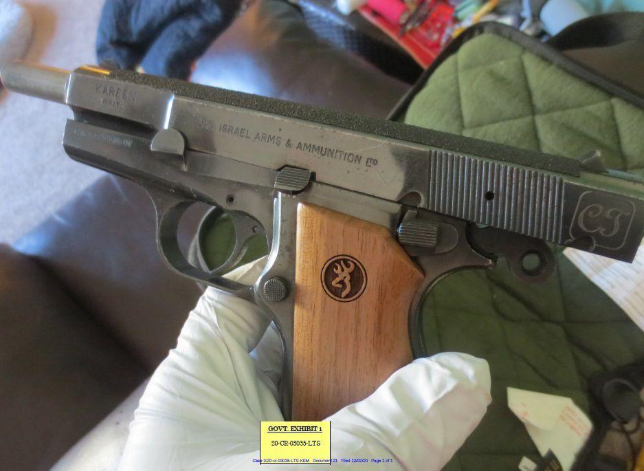 031721ho-carlson-gun-exhibit