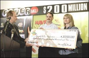Fort Dodge couple claims Powerball prize | News | wcfcourier com