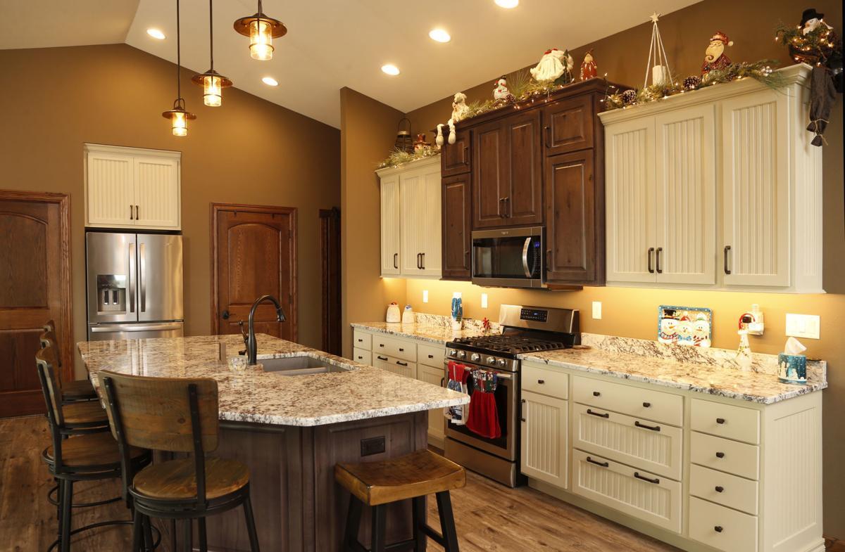 Cozy cottage kitchen     wcfcourier.com