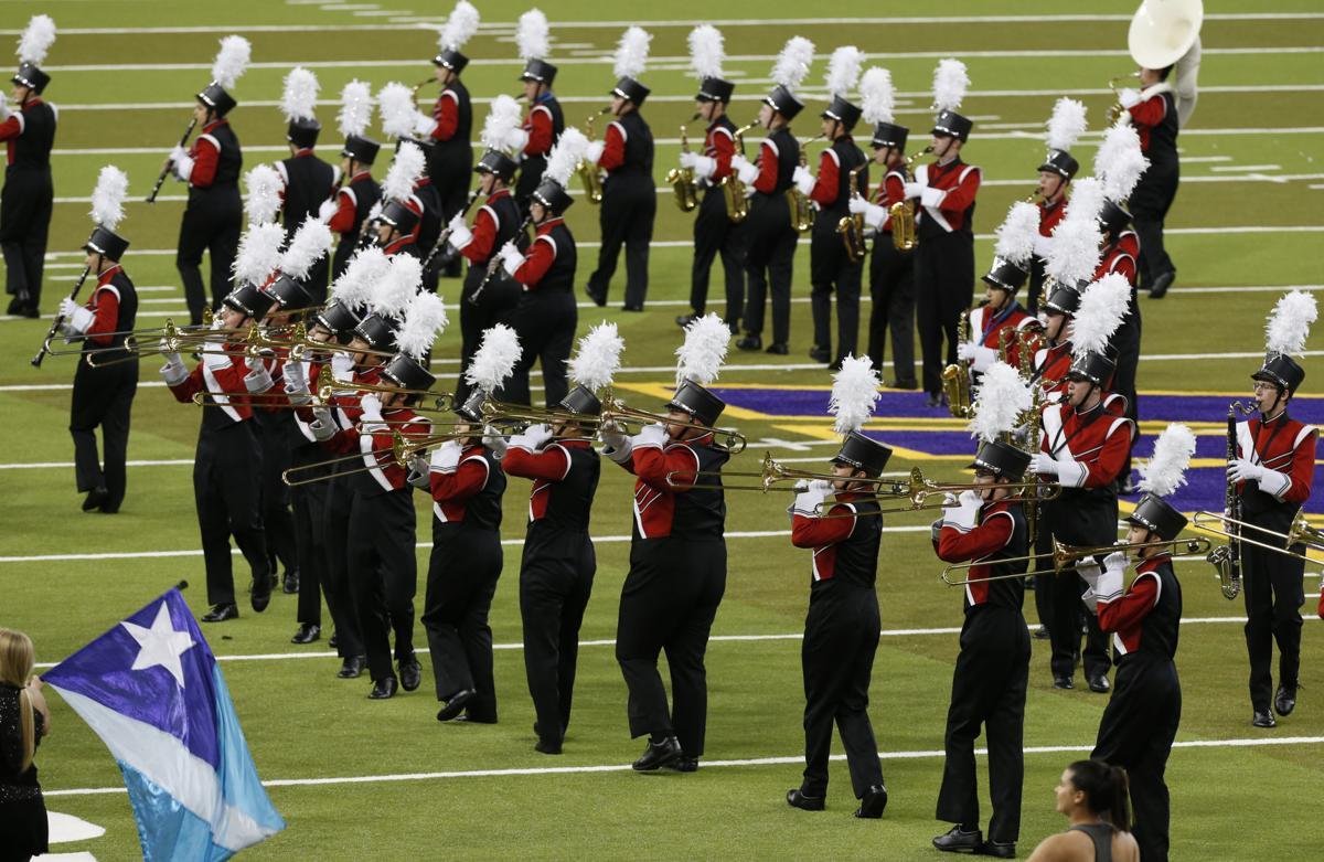 092917mp-Cedar-Falls-marching-band-1