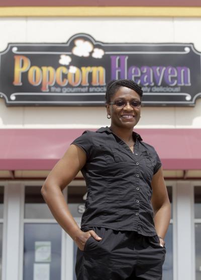 080916tsr-reshonda-young-popcorn-heaven-02