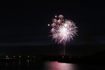 070216mp-fireworks-11