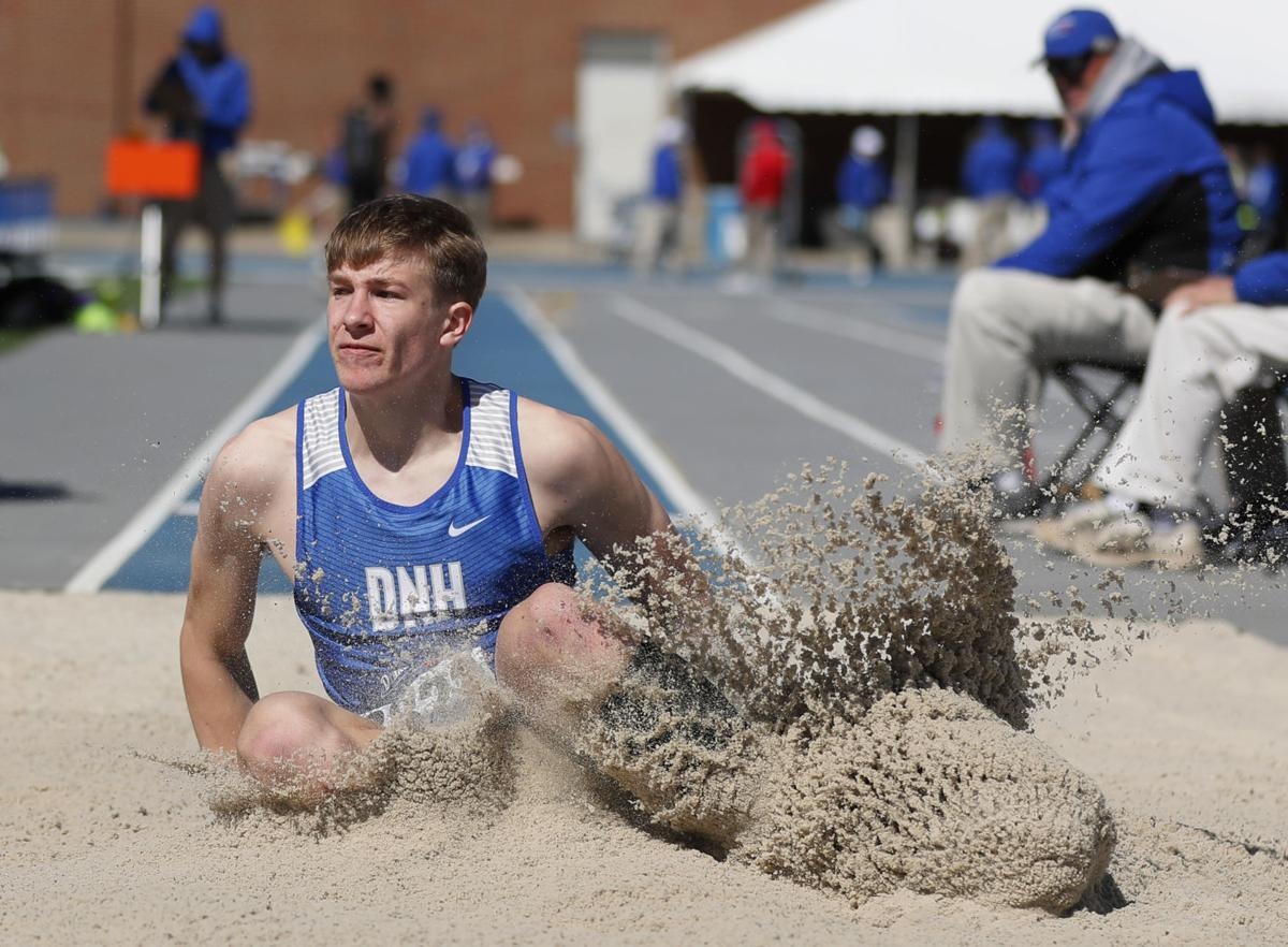042518mp-DrakeRelays-boys-longjump-2
