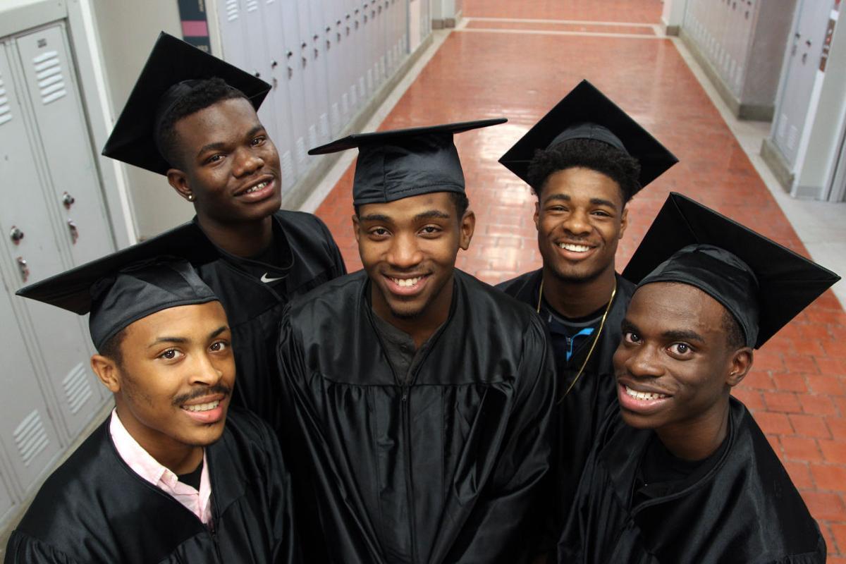 052516mp-Promise-Fund-graduates-1