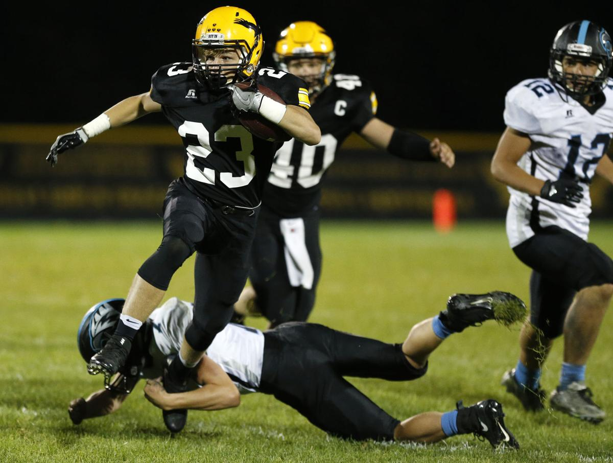 Prep football: Waverly-Shell Rock answers adversity against North