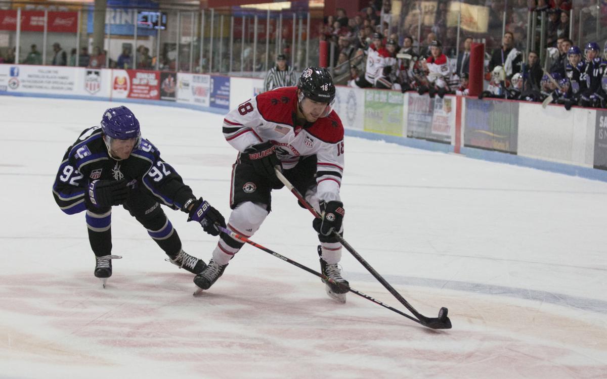 101219kw-blackhawk-hockey-06
