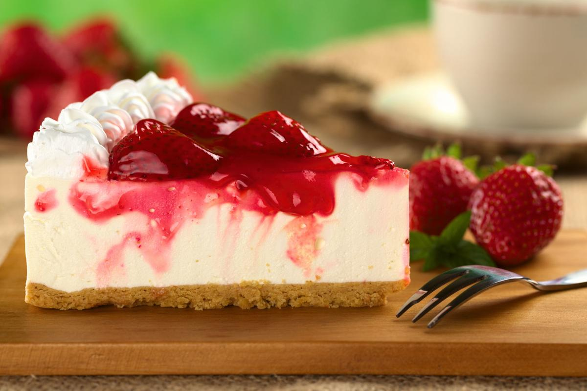 strawberry-cheesecake-slice