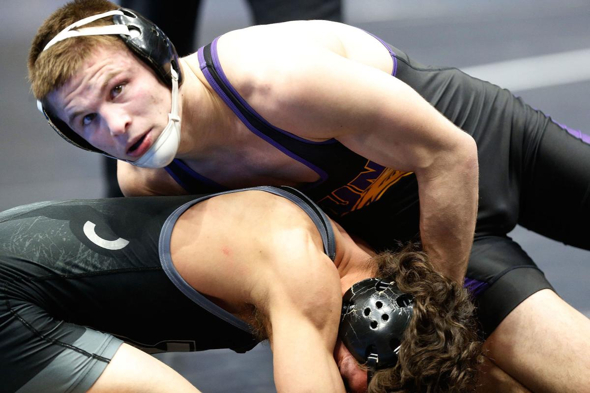 031618GAZ-UNI-NCAA-wrestling-3
