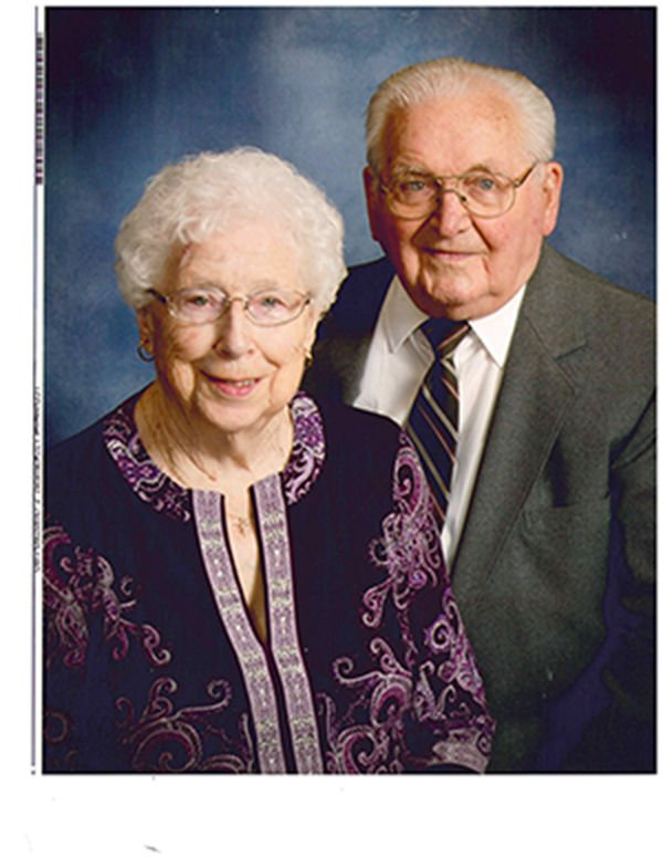 Uttechs to observe 75th wedding anniversary