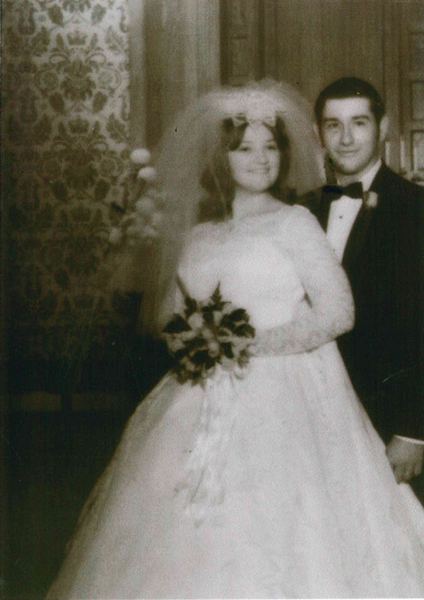 Altreuters celebrate 50th wedding anniversary
