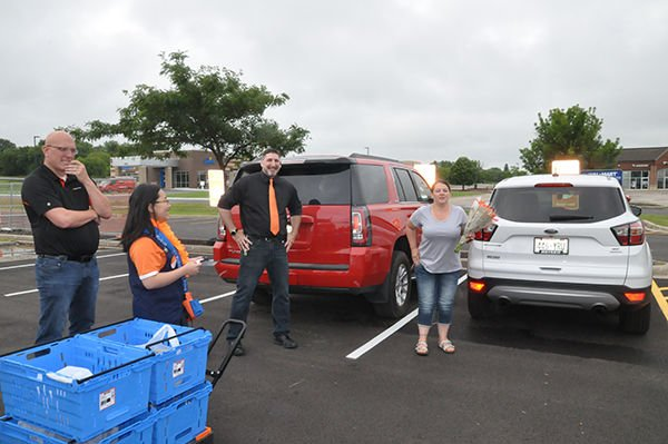 Walmart joins grocery pickup trend at Watertown stores | News